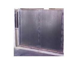 Puerta vehículos 4m x 2m/Alto con chapa metálica galvanizada.