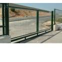 Puerta corredera 5mX1,5m/Alto. Fabricada con bastidor de tubo 60x40mm. Pilares 80x80mm, Incluye todo lo necesario.